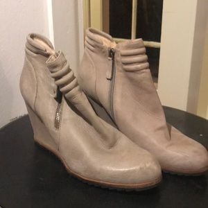 Leather wedge Women's shoes Biala!!